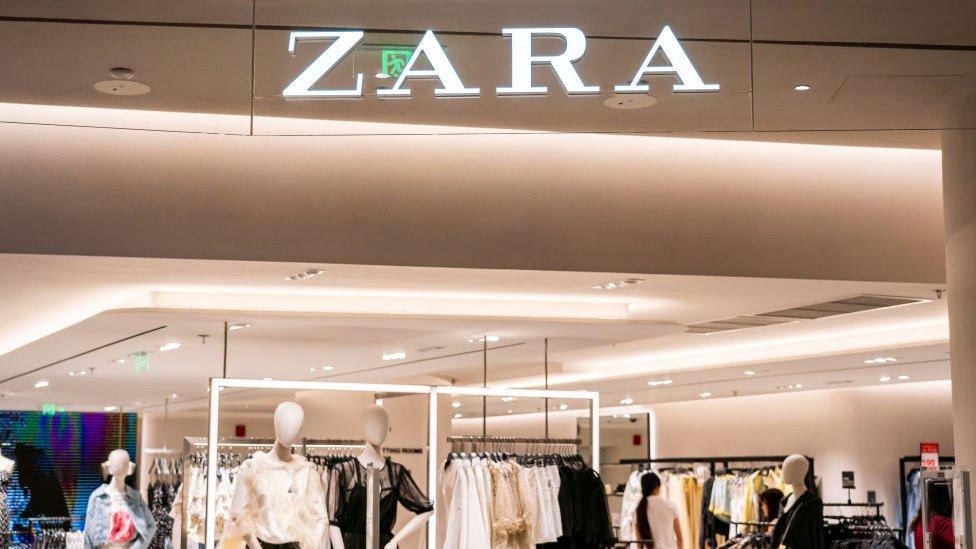 Terpukul Pandemi, Zara dan Uniqlo Investasi Layanan E-Commerce
